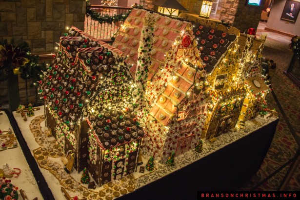Chateau on the Lake Gingerbread - 10