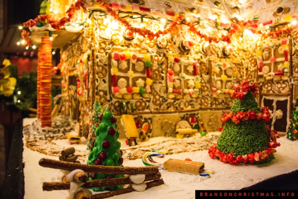 Chateau on the Lake Gingerbread - 16