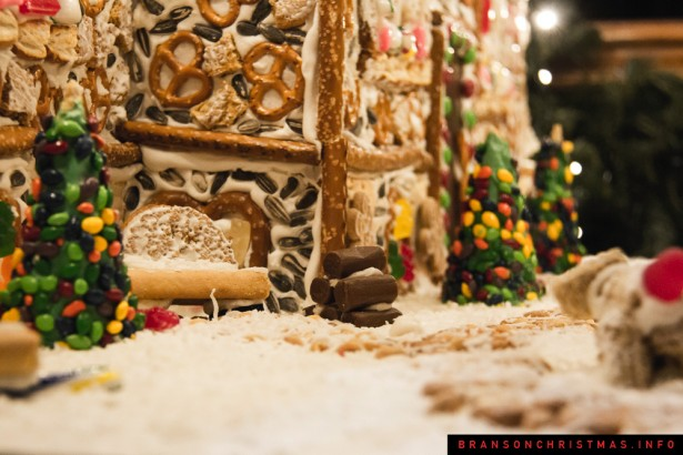 Chateau on the Lake Gingerbread - 28
