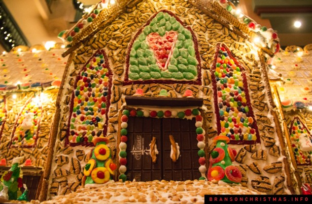 Chateau on the Lake Gingerbread - 9