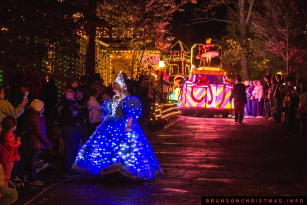 Silver Dollar City Rudolph Parade 2014 - 5