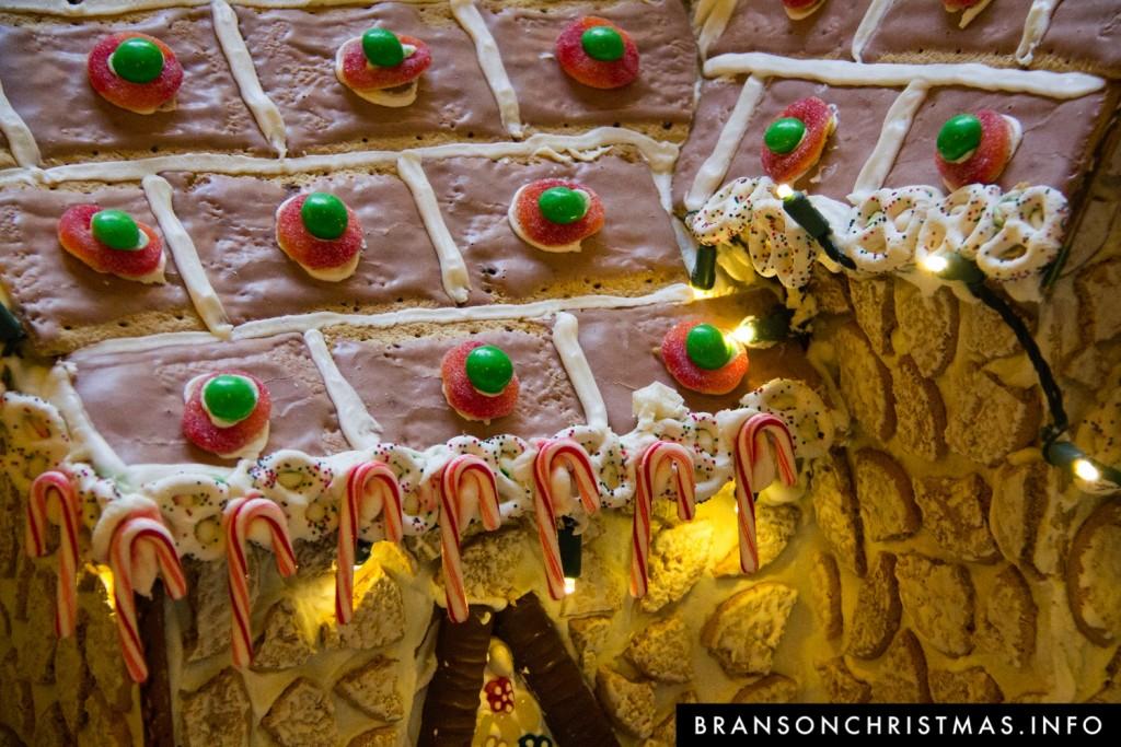 Branson Chateau Gingerbread 2015 1