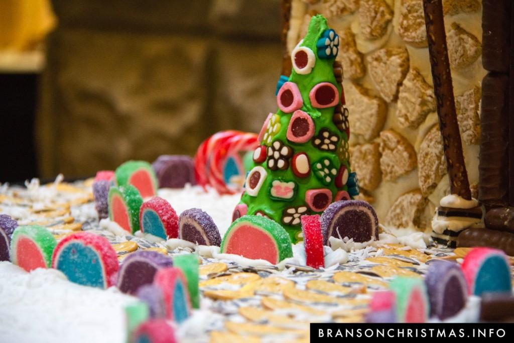 Branson Chateau Gingerbread 2015 2