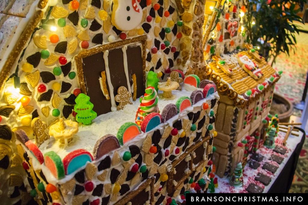 Branson Chateau Gingerbread 2015 20