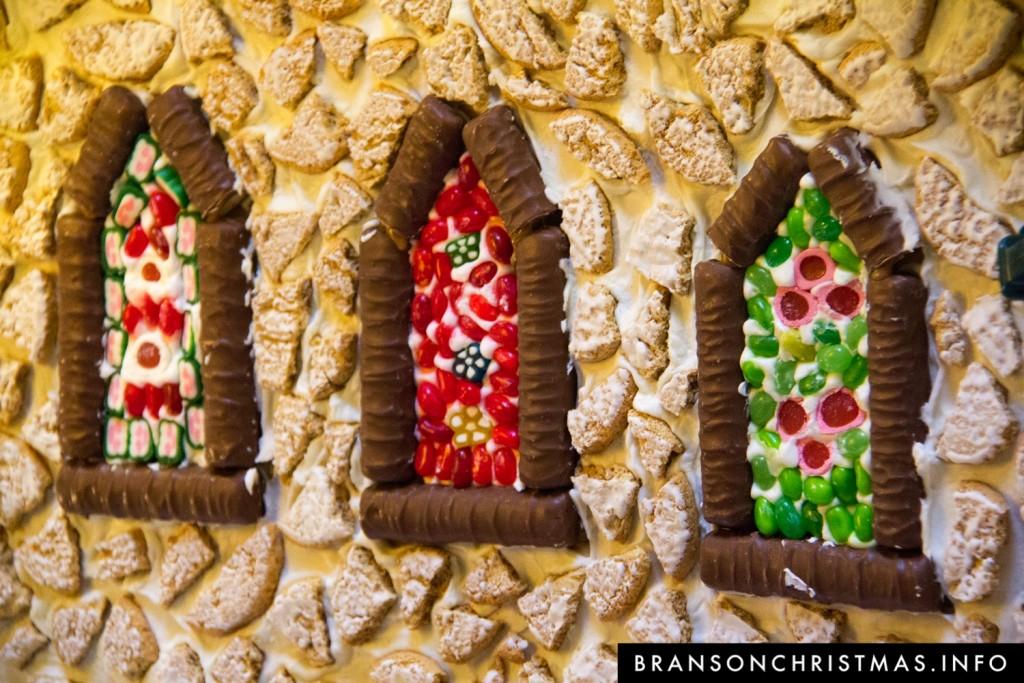 Branson Chateau Gingerbread 2015 24