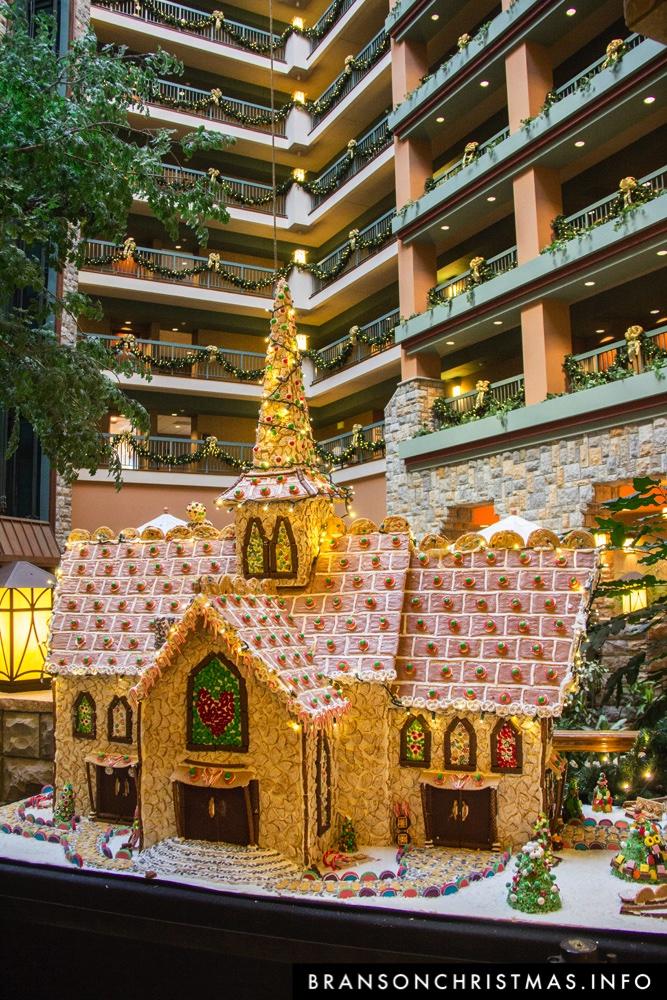 Branson Chateau Gingerbread 2015 25