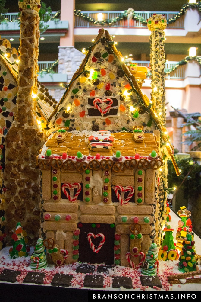 Branson Chateau Gingerbread 2015 26
