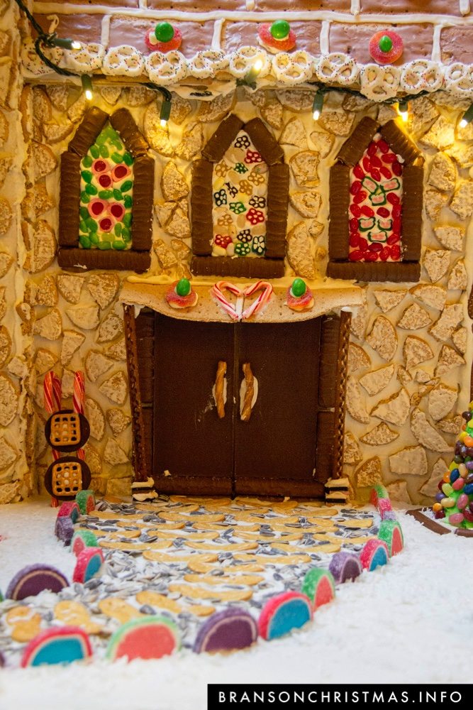 Branson Chateau Gingerbread 2015 28