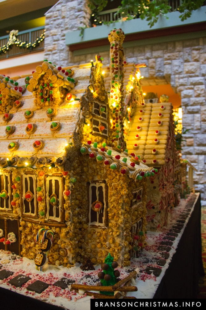 Branson Chateau Gingerbread 2015 29