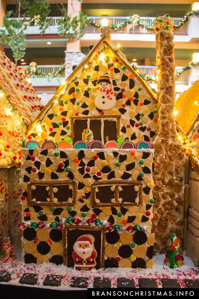 Branson Chateau Gingerbread 2015 32