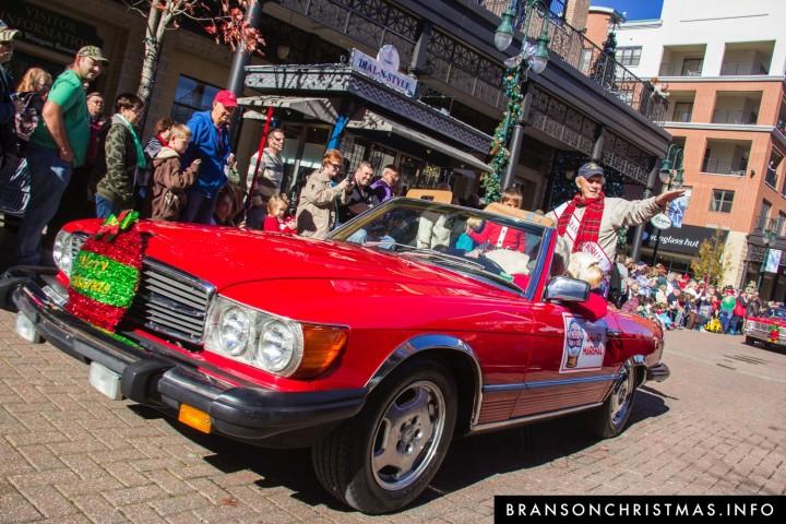 Mercedes Christmas Parade 2019 Branson Christmas Parades 2019   Branson Christmas