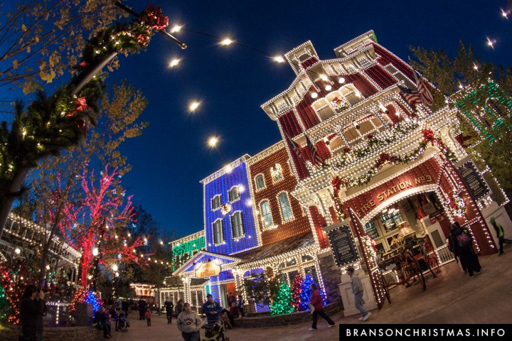 travel channel names silver dollar city a top theme park for the holidays - Silver Dollar City Christmas