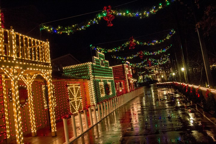 Christmas Theme Park.Vote For Sdc In Usa Today Poll For Favorite Theme Park