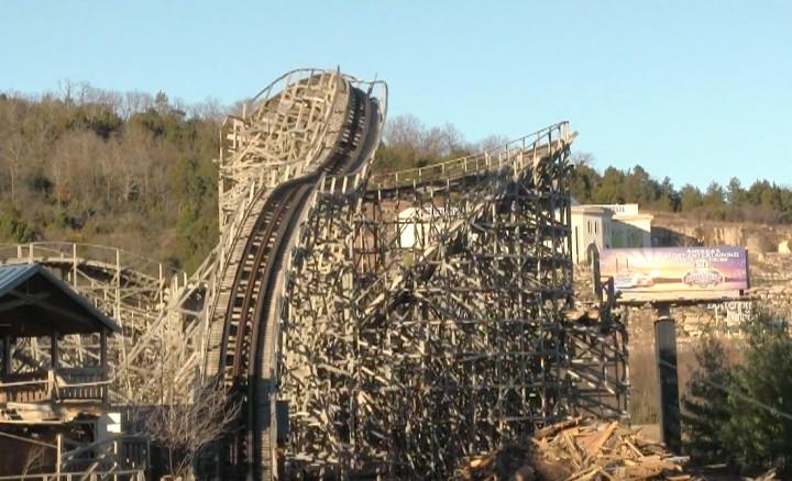 Roller Coaster Demolition : Watch the destruction of celebration city s ozark wildcat