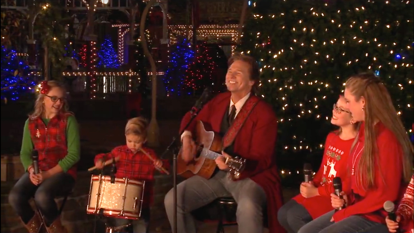 Nbc Christmas Specials 2020 Christmas Day Silver Dollar City and Friends Christmas TV special to air on