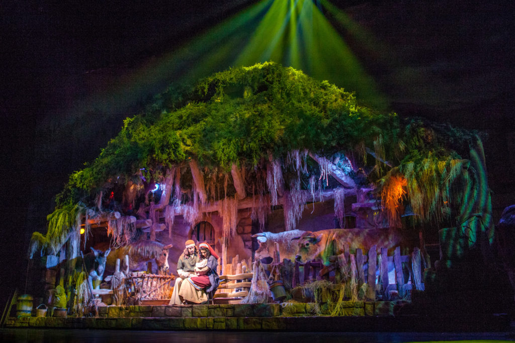 Sight And Sound Miracle Of Christmas.Miracle Of Christmas Returns To Sight Sound Theatres This
